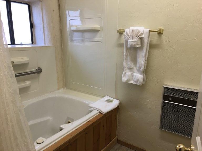 tree room bath