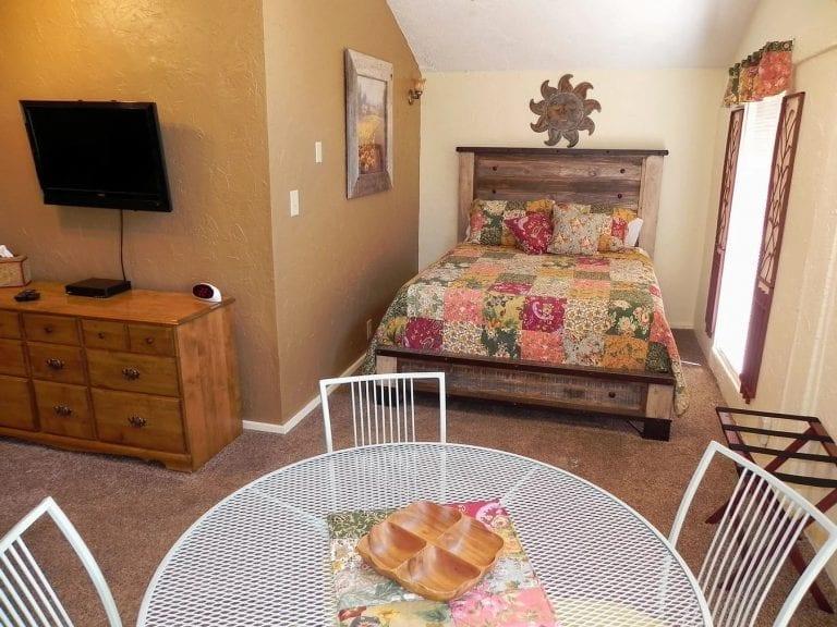 Garden room bedroom 2